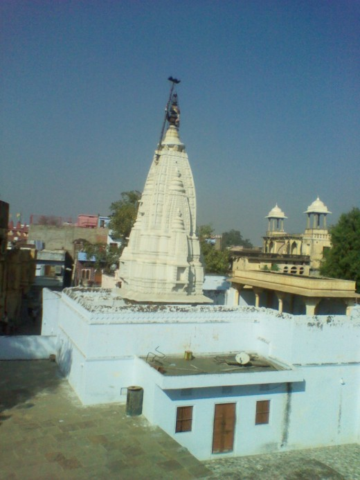 Chandaprabhu Temple (Spire) Overview