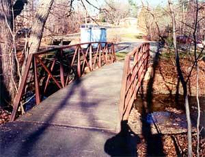 "Photo of ""Ellis"" dead drop site in Foxstone Park used by Robert Hanssen"