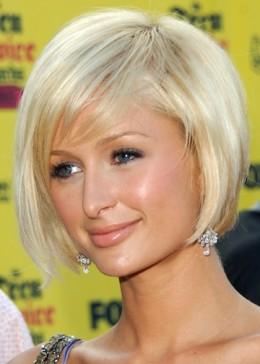 A cute, cropped bob haircut gives Paris an edgier heiress look.