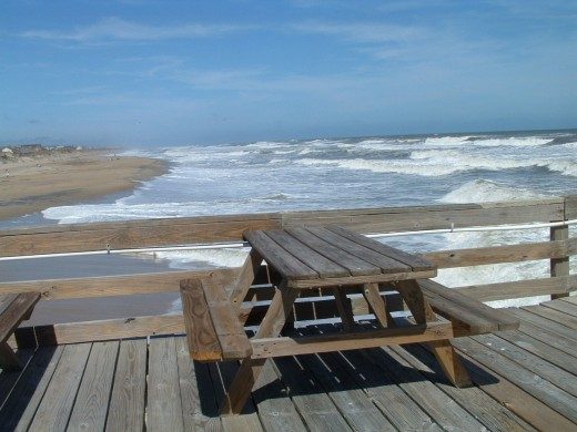 This fishing pier is a great place to picnic.
