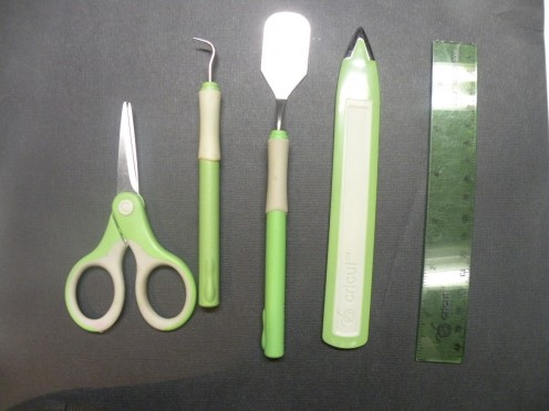 Tools include in the Cricut Essentials Kit