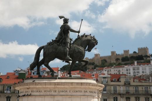 Statue of Dom João I in Praca de Figueira