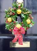 Green Christmas: Christmas Door Decoration Ideas