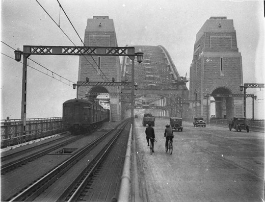 First cars and trains across Sydney Harbour Bridge, March 1932
