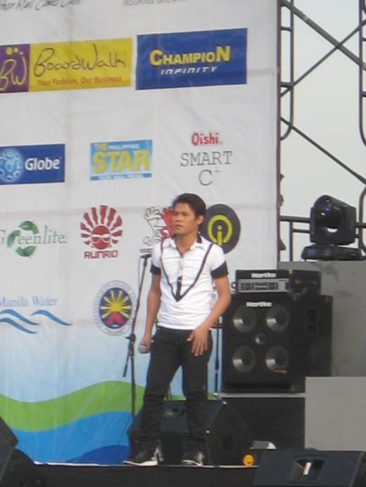 Marcelito Pomoy, Pilipinas Got Talent 2 Grand champion, who sang Masdan mo ang Kapaligiran (Look at the Surrounding)