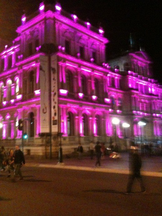 IMAGE 8 Treasury Casino Building  Brisbane  by Night IPhone 3GS