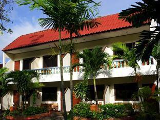 Club Cocnut Resort