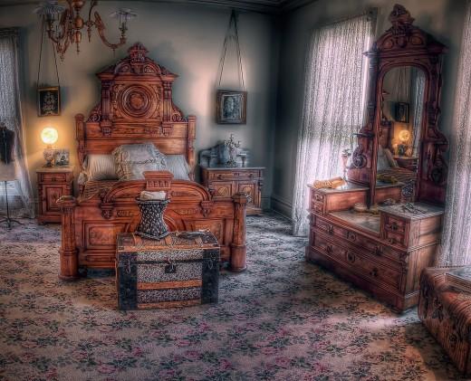 Formal Bedroom Decorating