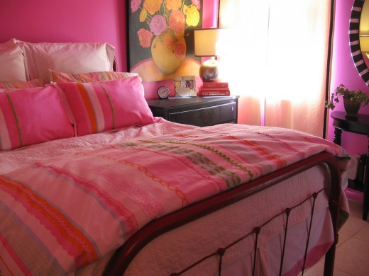 Bedroom Decorating with Bright Vivid Colors
