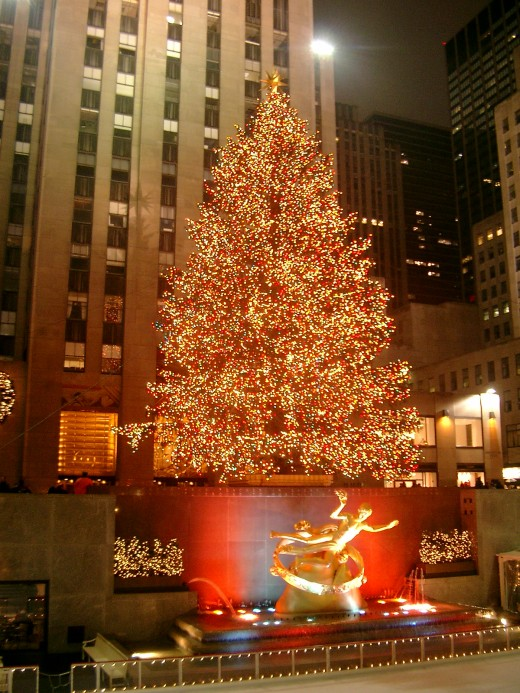 Rockefeller Center Christmas Tree, New York | image credit: Wikipedia
