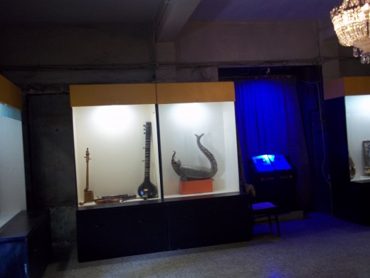 Makara veena placed right side in the show case, at Raja Dinakar Kelkar museum,Pune