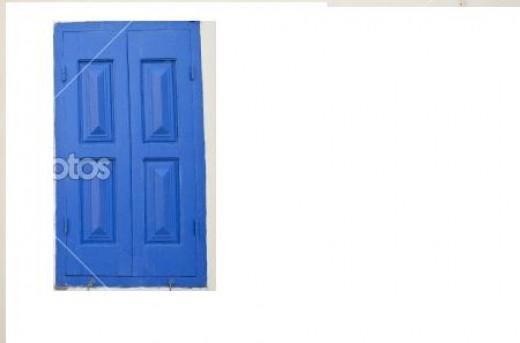 Old blue window © Tomas Jasinskis #5951565
