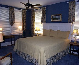 Using a Blue Bedroom Decorating Scheme