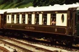 Short rake of Southern Railway Pullmans at Bluebell Railway in Kent
