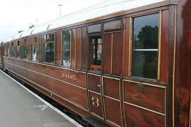 Close-up of teak graining and numbering on 3rd Class end of Gresley side-corridor Composite