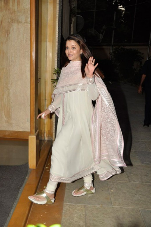 aishwarya  rai after delivery of her baby girl