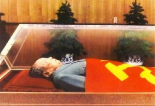 Mao Zedong lies in a crystal coffin on display