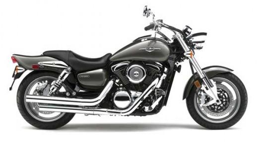 The Suzuki Boulevard M95 isn't just a clone of the Kawasaki Mean Streak 1600, it's the same bike!