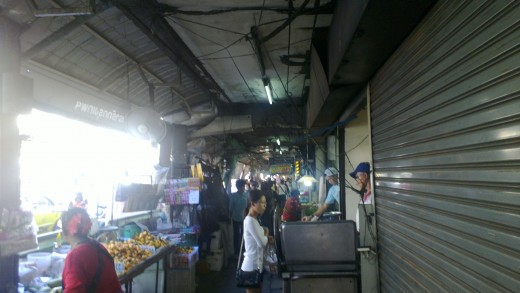 Street traders on Sukhumvit Road