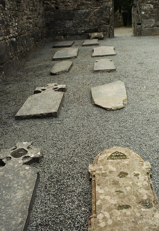 Many graves near the cathedral date to the 12th-13th centuries.