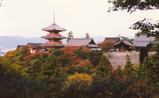Classic view of the Kiyomizu-dera Temple.