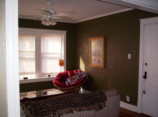 Hidey Hole Livingroom