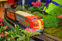 Christmas Trains - Gardenland Express - A Holiday Flower and Train Show