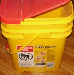 Cat litter bucket