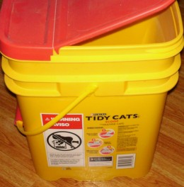 Cat litter bucket