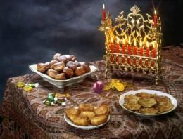 Chanukah Table. Image: © JirkaBursik|Shutterstock.com