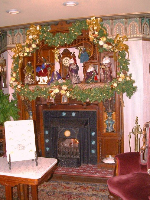 Parlor sitting area to left of lobby decorated for the Christmas and New Year's holiday season provides a cozy place to warm up.