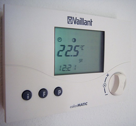 Saving money on heating with your thermostat. Friend or foe?