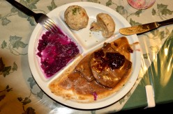 Steinbockbraten with Red Cabbage