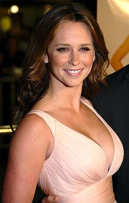"""JENNIFER LOVE HEWITT AS SHE LEFT OUR TABLE TO HAVE A CHAT WITH MARTHA MADSION, THE BLOND BEAUTY WHO PLAYED """"BELLE BLACK,"""" ON DAYS OF OUR LIVES."""