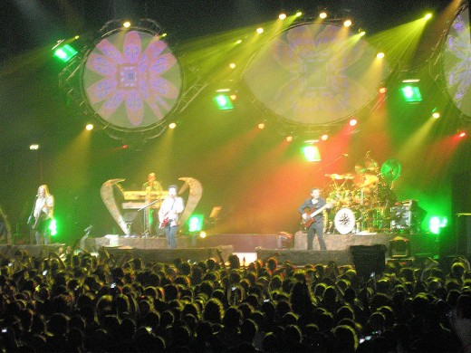 Toto in concert - Falling in Between Tour (Milan, Mazdapalace, 2006, march the 18th)