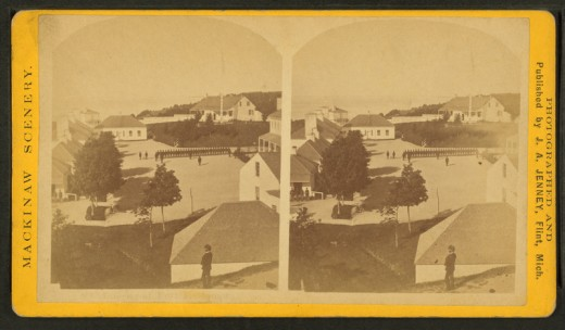 Old stereoscopic views of Fort Mackinac