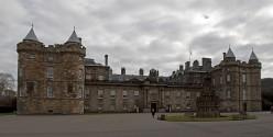 Famous Palaces of Europe : Holyroodhouse in Edinburgh, Scotland