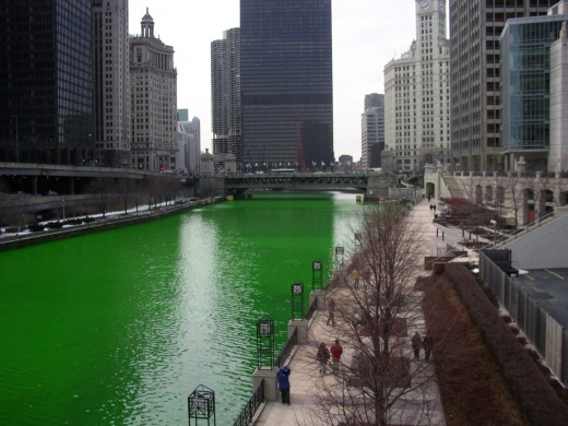 Chicago's river dyed green for St Patrick's Day