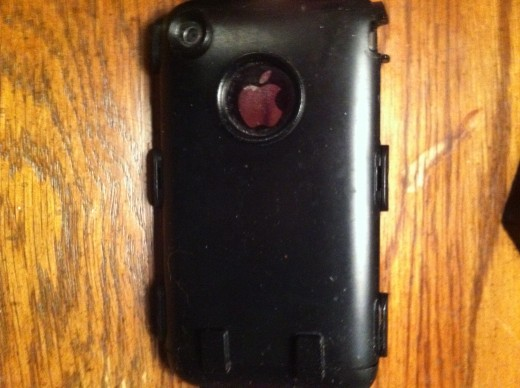 The back of the iPhone 3G / 3GS with the OtterBox Defender's silicone shell removed.