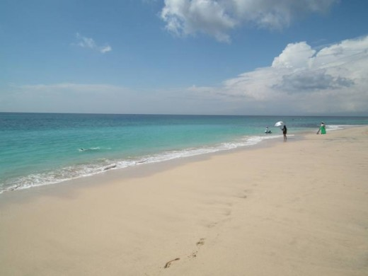 Bali Beaches: Pecatu Indah resort on the Indian Ocean