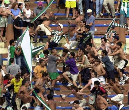 Fan violence erupts in Argentina during a soccer match