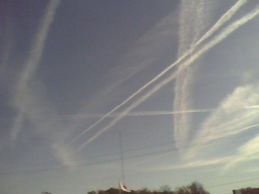 CHEMTRAILS; LOTS OF THEM !!!