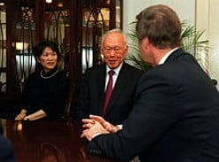 Then Senior Minister Lee Kuan Yew and Ambassador to the U.S. Chan Heng Chee meet with Secretary of Defense William S. Cohen during Lee's visit in 2000