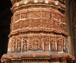 Decorations on the front pillar