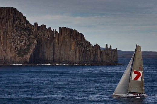 http://'Line Honours Winner WILD OATS XI passing Tasmania's iconic Organ Pipes
