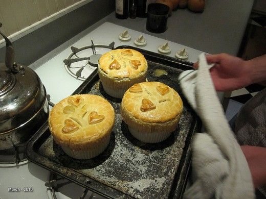 Meatless monday vegetarian pot pies hand pies 12 pie for Bella personal pie maker recipes