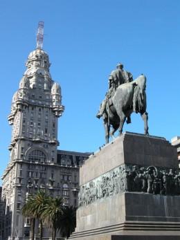 Artigas monument