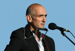 Folk Rock and Australian Country Music: An American's Guide to Paul Kelly