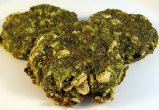 Homemade spinach biscuits for dogs