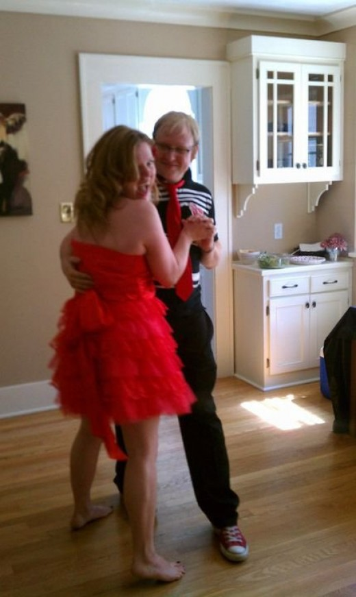 "first dance, to Hall and Oates, ""Private Eyes"" (and note her fantastic legs)"